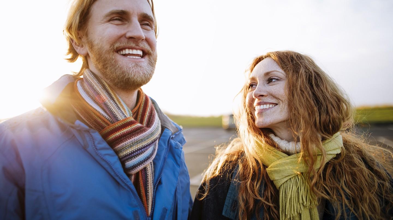 Egal, ob Mann oder Frau, jeder Spaziergang hilft gegen Vitamin-D-Mangel.